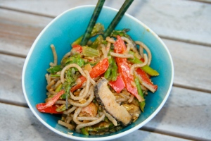 Singapore style curried noodles with veggies